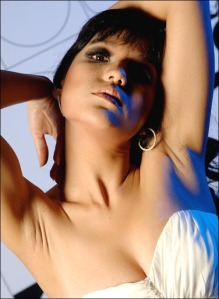 foto telanjang Renita Sukardi